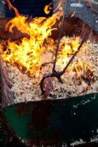 raku firing technique for pottery